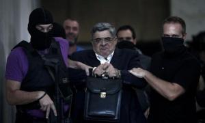 O líder da Aurora Dourada está a ser julgado em Atenas.