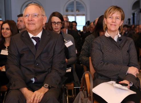 Wolfgang Schäuble e Maria Luís Albuquerque