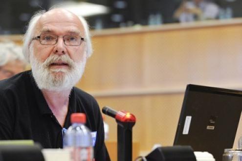 Politólogo belga Eric Toussaint, porta-voz do Comité para a Anulação da Dívida do Terceiro Mundo. Foto GUE/NGL.