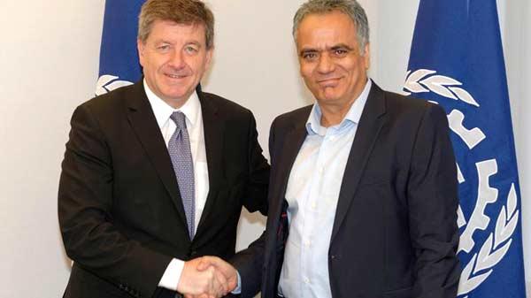 Guy Rider e Panagiotis Skourletis após a reunião em Genebra. Foto OIT