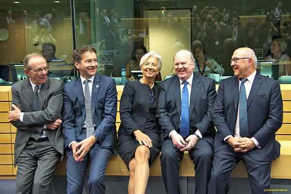 Ministros das Finanças de Itália, Irlanda e França com Dijsselbloem e Lagarde. Foto União Europeia ©