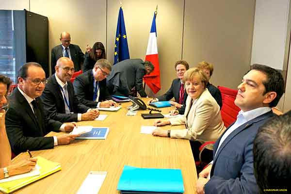 Tsipras na reunião com Merkel e Hollande - 26 junho 2015. Foto União Europeia ©