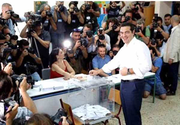 Alexis Tsipras vota no referendo de 5 de julho