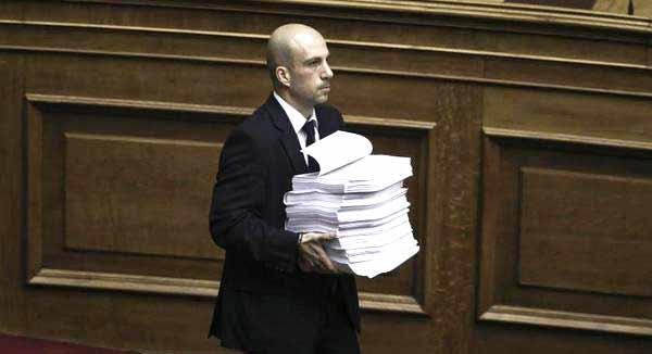 Deputados legislaram a todo o vapor para avançar com negociação do terceiro memorando.