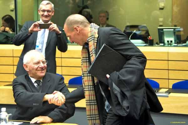 Schäuble e Varoufakis no Eurogrupo. Foto União Europeia ©
