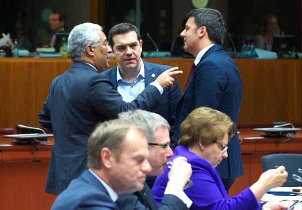 António Costa, Alexis Tsipras e Matteo Renzi à margem da cimeira UE/Turquia. Foto União Europeia ©