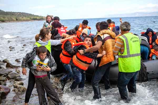 Chegada de refugiados a Lesbos. Foto Ben White/ CAFOD