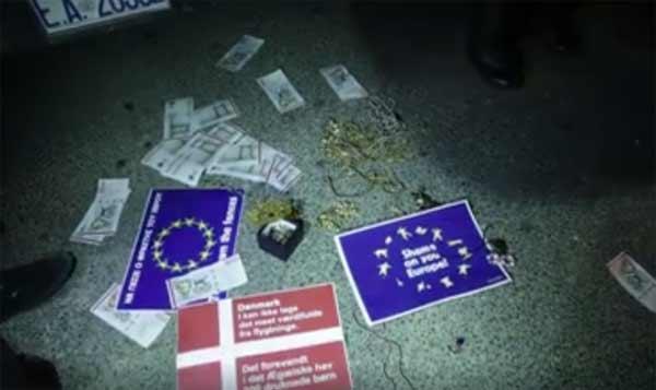 Manifestação em frente à embaixada dinamarquesa em Atenas