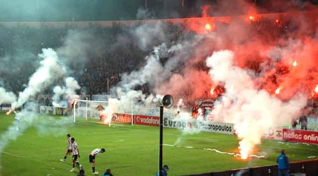 Jogo PAOK-Olympiakos para a Taça da Grécia em 2009. Foto George M. Groutas/Flickr