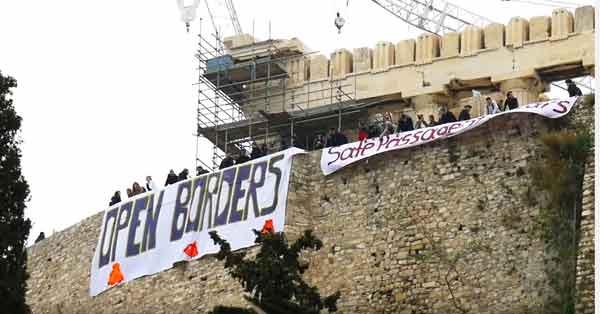 Ação de protesto no topo da Acrópole