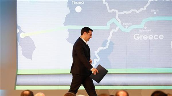 Tsipras na cerimónia de arranque das obras do gasoduto Trans-Adriático