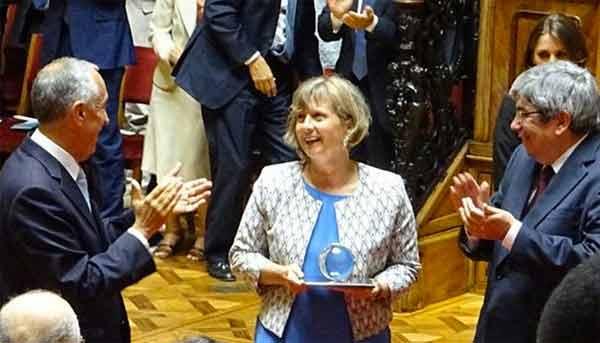 Marcelo Rebelo de Sousa, Lora Pappa e Ferro Rodrigues na entrega do prémio Norte-Sul da Conselho da Europa.