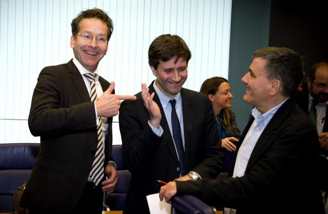 Dijsselbloem e Tsakalotos durante a reunião do Eurogrupo de 10 de outubro 2016. Foto União Europeia ©