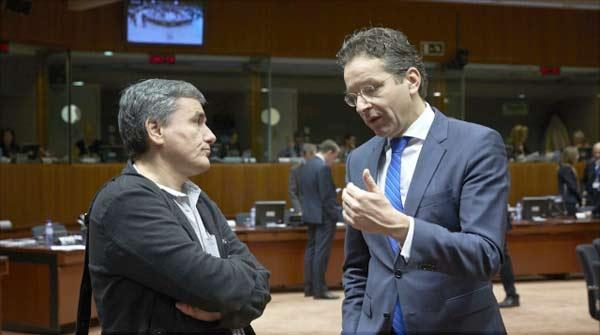 Tsakalotos e Dijsselbloem. Foto União Europeia ©